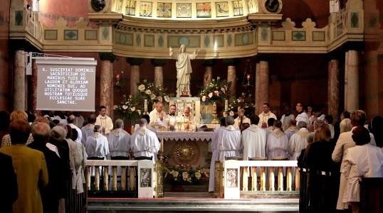 Msza  św. w Bazylice Naj śwkętszego Serca Pana Jezusa w Krakowie z okazji 100. roczn. śmierci bł. ojca Jana Beyzyma SJ