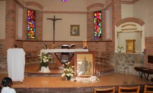 Ołtarz w kaplicy w Maranie