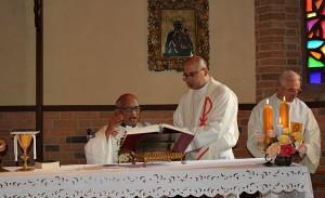 Podczas uroczystości 100.lecia śmierci  Jana Beyzyma w Maranie - Msza św. pod przew. abp. Philiberta