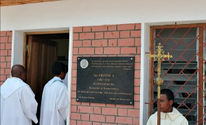 Podczas uroczyśtosci 100.lecia śmierci Beyzyma w Marananie - wejście do muzeun