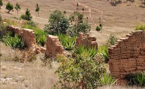 Framgent murów w Ambahivoraka