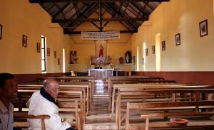 Kościół w Soamanandray, wewnątrz