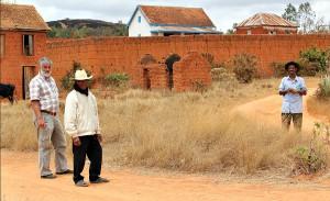 Mur wioski Soamanandray
