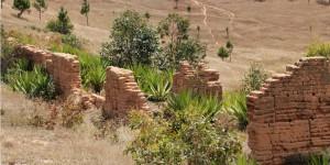 Ruiny leprosorium w Ambahivoraka5